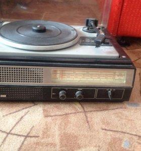 Радио проигрыватель 1980 год
