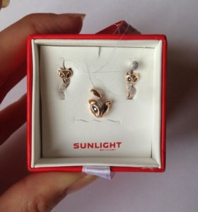 Серьги и кулон из золота с бриллиантами