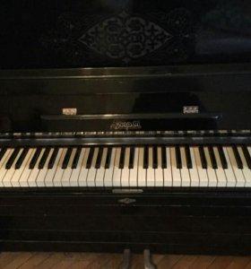 """Пианино """"Заря"""""""