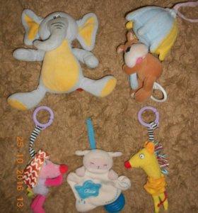 Развивающие игрушки-подвески