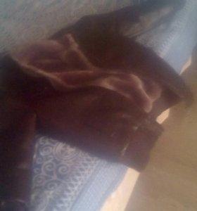 Кожаная куртка на мальчика 5-7 лет