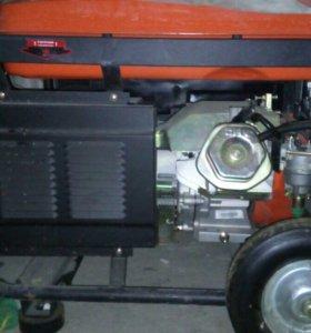 бензиновый генератор.
