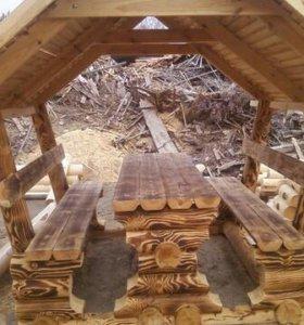Беседка из бревна со столом и лавками