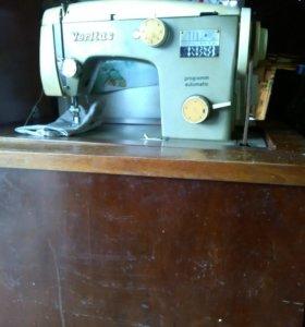 Швейная машинка педальная. Торг