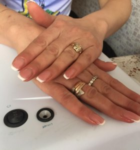 Наращивания ногтей