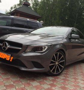 Продам велюровые коврики на Mercedes cla 200