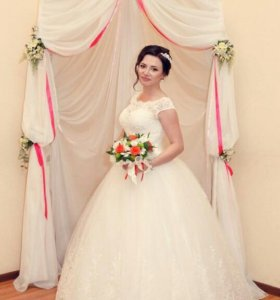 Красивое платье ))