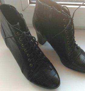 Ботинки новые р 36