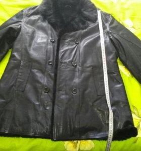 Куртка кожа натуральная с норковым воротником.