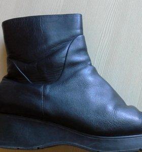 Отдам ботинки зимние р. 39 нат. кожа, нат. мех