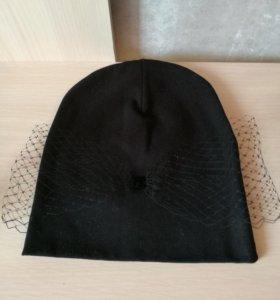 Женская трикотажная шапка с вуалью