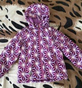 Демисезонная куртка для девочки, фирма reima