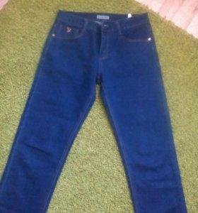 Продам мужские джинсы.