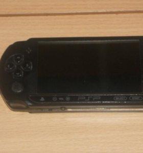 PSP sony + флешка на 8гб  с играми и 29шт дисков