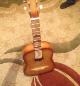 Гитара , шести струнная