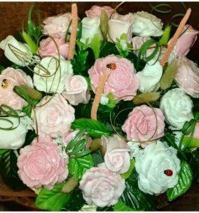 Корзина с мылом ручной работы 25 роз