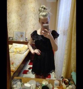 Новое чёрное платье с рюшей