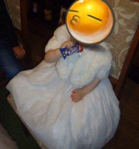 Платье с мех накидкой