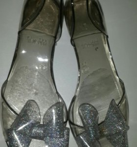 Новые селиконовые сандали р37
