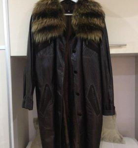 Кожаное пальто 54-56 очень хорошее