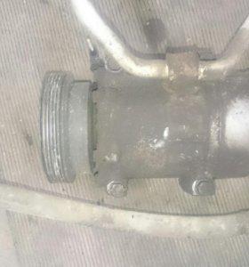 Компрессор кондиционера Renault Laguna 1.6 k4m