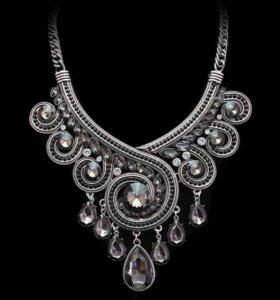 Женское ожерелье