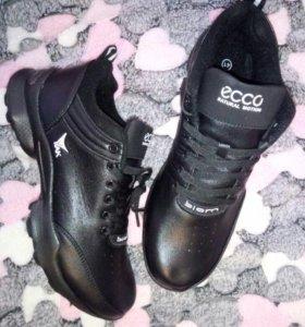 Новые кроссовки мужские