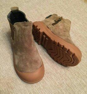 Ботинки новые р23