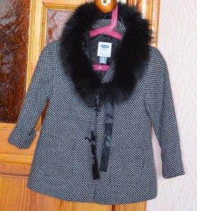 Меховой воротник , пальто