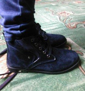 Ботинки новые 36