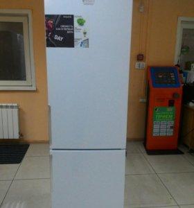 Холодильник Hotpoint ARISTON HF 4200W