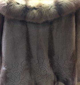 Шикарная норковая шубка с капюшоном из соболя