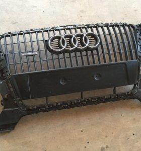 Решетка радиатора Audi Q5. До рестайлинга.
