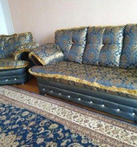 Хол. Диван и 2 кресла