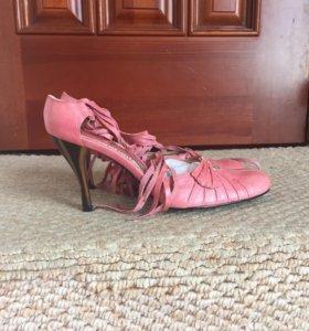 Новые кожаные туфли Vallenssia