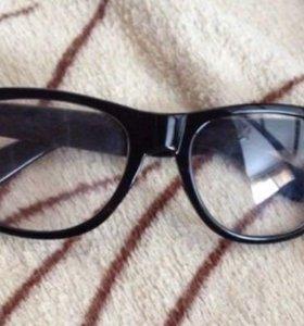 Очки (с прозрачным стеклом)