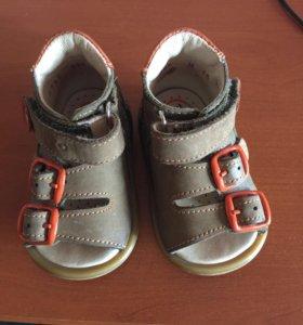 Детские сандали 16 размер