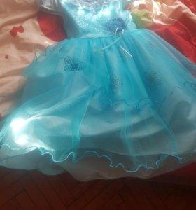 платье на 5-6 лет...