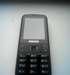 Мобильный телефон PHILIPS Xenium E560.