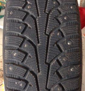 Продам зимнюю резину Nokian R17/235/65