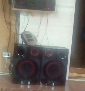 Музыкальный центер LG