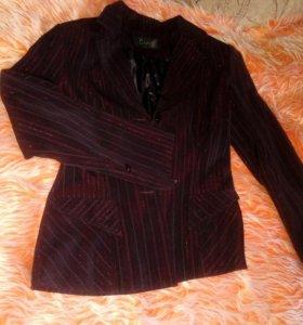 Костюм тройка: пиджак, юбка, брюки прямые