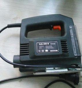 Электрический лобзик Defort DJS-500-B