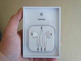 Оригинальные наушники earpods новые!