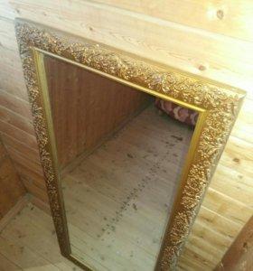 Зеркало с деревянной рамой