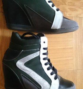 Сникерсы -ботинки