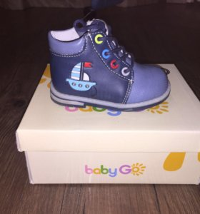 Новые детские ботинки р. 21