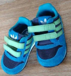 Кросовки детские adidas, 19 размер