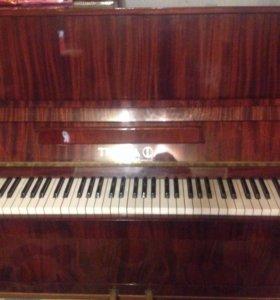 Фортепиано в хорошем состояние