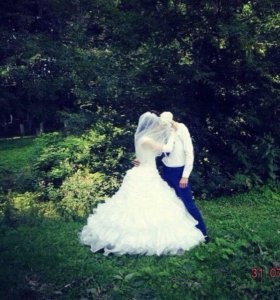 Свадебное платье , пять колец состояние хорошое.